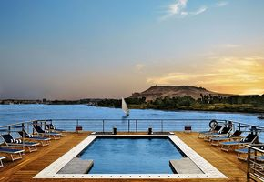 Swimmingpool an Deck - The Oberoi Zahra - Nilkreuzfahrt - Ägypten