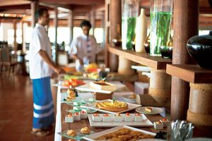 Buffet Diamonds Athuruga Beach & Water Villas