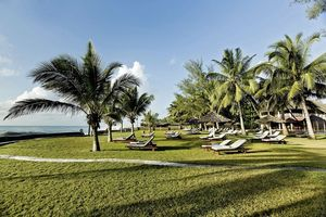 Sonnenliegen - Neptune Palm Beach Boutique Resort & Spa - Kenia