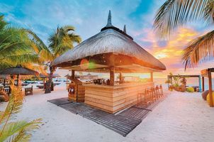 Butik Bar im Beachcomber Dinarobin Golf & Spa - Mauritius