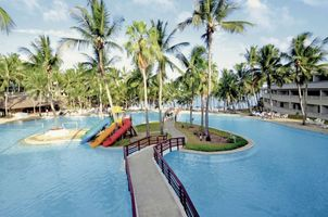 Poolanlage vom Flamingo by PrideInn Beach Resort & Spa - Kenia
