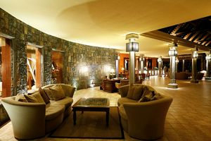 Lobby mit Rezeption im Beachcomber Dinarobin Golf & Spa - Mauritius