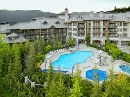Hotelanlage - Blackcomb Springs Suites - Kanada