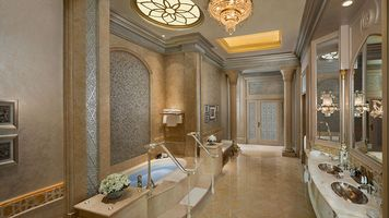Badezimmer in der Palace Suite - Emirates Palace - Abu Dhabi