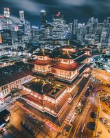 Buddha Tooth Relic Temple and Museum bei Nacht - Singapur