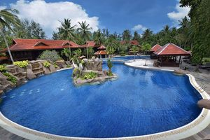 Entspannung am Cascade Pool - Meritus Pelangi Beach Resort & Spa - Malaysia