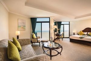 Resort View Junior Suite im JA Jebel Ali Beach Hotel - VAE