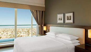 Classic Room - Four Points by Sheraton Sheikh Zayed Road - Dubai