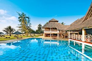 Swimmingpool - Neptune Palm Beach Boutique Resort & Spa - Kenia