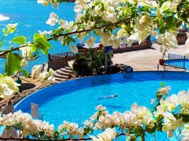 Die Poolanlage des Sultan Bey Resorts