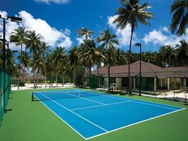 Tennisplatz im Atmosphere Kanifushi Maldives
