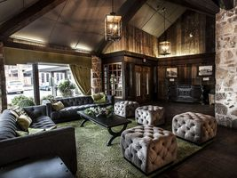 Lobby - Old Stone Inn Boutique Hotel - Kanada