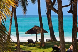 Sonnenbaden am Diani Beach
