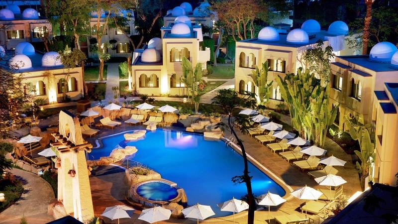 Achti Resort Luxor - Poolanlage